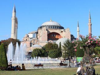 mešita imamoglu ayasofya a azan roky