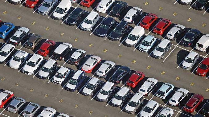 automobilių eksportas birželį vėl viršijo milijardą dolerių