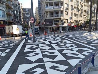 pedestrian crossing like artwork, safety of pedestrians in Izmir