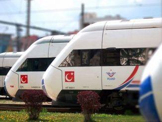 רכבת במהירות גבוהה ומהירה במהירות מטורקייד