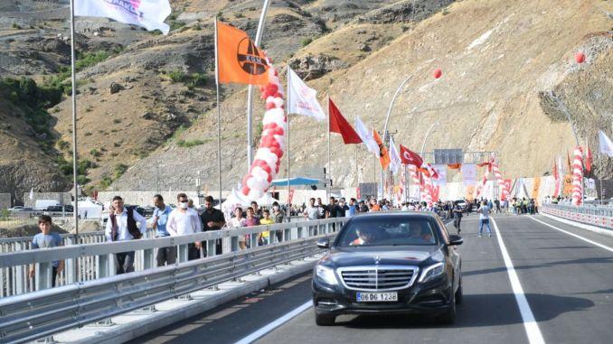 Cai highest bridge of the boat bridge turkiyenin defense Pendik service was urgent