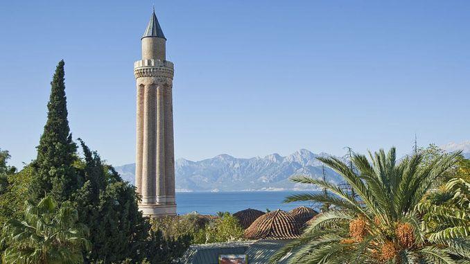 Über das geriffelte Minarett