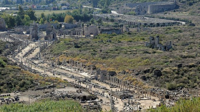 Where is Perge Ancient City History and Story of Perge Ancient City