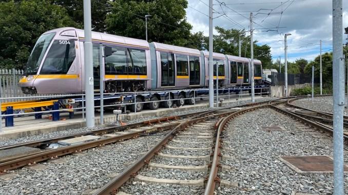 kendaraan trem alstom dublin