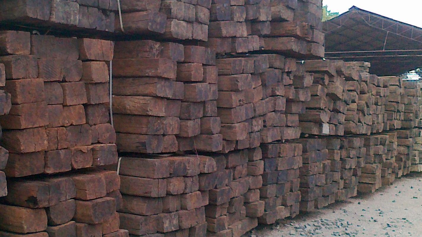 سيتم شراء إشعار العطاء من عوارض خشبية
