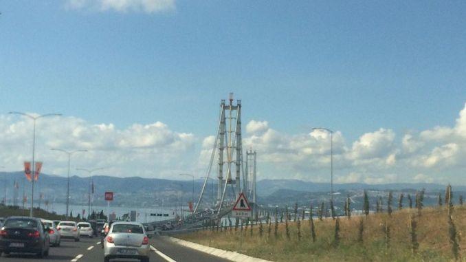 متى تم تشغيل جسر Osmangazi؟ تجارب قيد الإنشاء