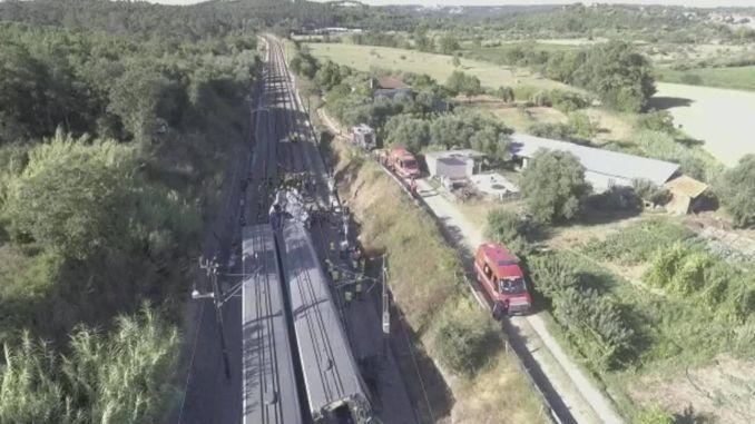 fast train crash in portugal injured