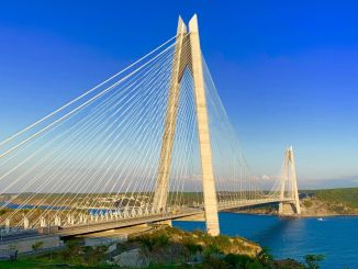 雅沃茲蘇丹良性橋在幾年裡,建築過程中的生活是什麼