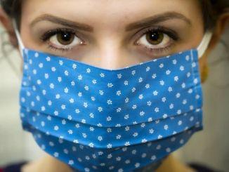 由頸領和頭巾製成的口罩有引發危險的危險