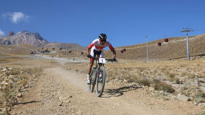 התרגשות בינלאומית לאופני הרים בארצ'ייס