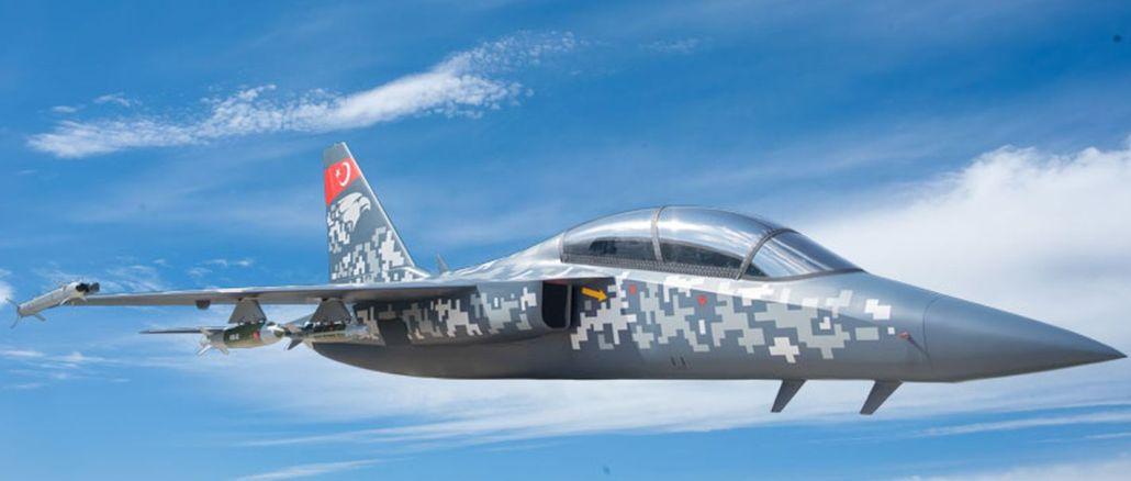 ジェットトレーニング用に開発されたシミュレータと軽攻撃機HÜRJETが完成