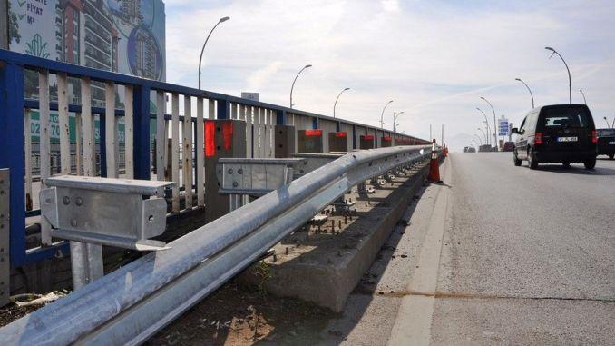 20 Kilometro nga Guardrail nga Itukod Sa Mga Dalan tabok sa Kocaeli