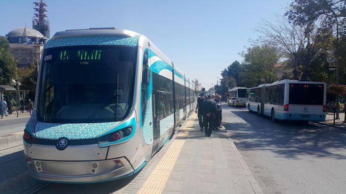 Ľudia z Konya Pozor! Expedície električiek na autobusovú stanicu nie je možné uskutočniť 1 deň