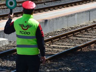 While TCDD Boasts of Choof Choo Scooter, Workers Working on Railways Carry Like Melon-Watermelon