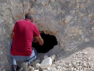 Van Erciş Yol Çalışmasında 2 Kaya Mezarı Bulundu