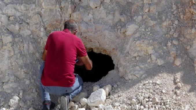 2 Rock Tombs Found in Van Erciş Roadworks