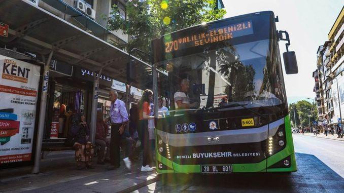 Denizli metropolita ingyenes buszokat készített a köztársaság napja alatt