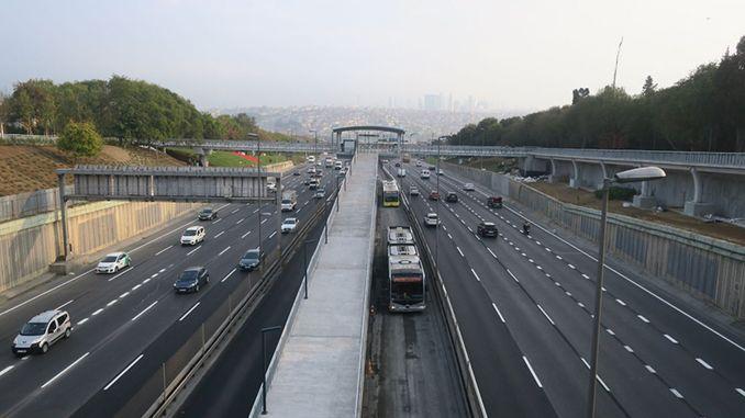 Megújult az Edirnekapı állomás felüljárója