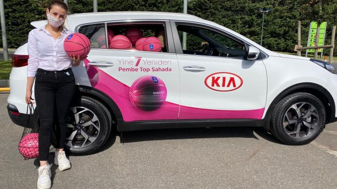 kia-women-gifts-to-her customers-pink-ball