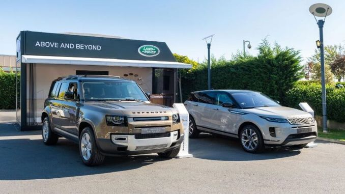 Showroom emergente de Land Rover en Estambul en octubre