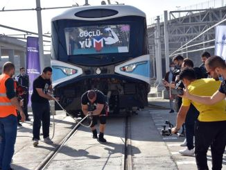 De Metro Istanbul Strongman Challenge Train Pulling Competition werd gehouden