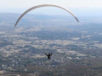 Plošina Ovacık je novou obľúbenou lokalitou milovníkov paraglidingu