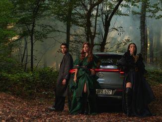 Özlem Süer Memperkenalkan Koleksi Musim Semi-Musim Panas 2021 di Mercedes-Benz Fashion Week Istanbul