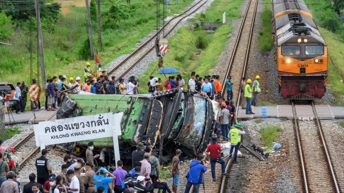 Train Hit the Bus in Thailand: 17 Dead, 30 Injured