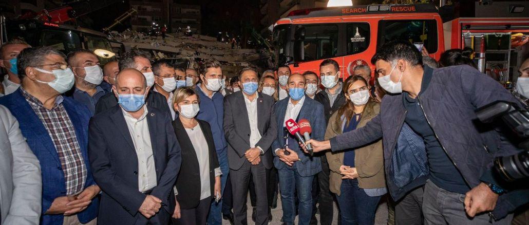 Tunç Soyer'den İzmirlilere Hasarlı Binalara Girmeyin Uyarısı