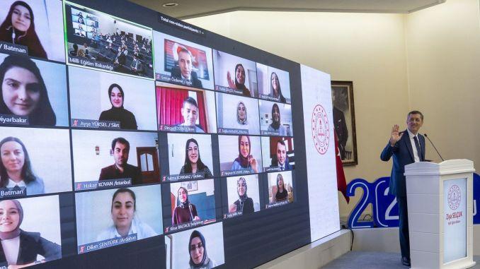 Провежда се най-големият проект за обучение на учители в турската история на образованието