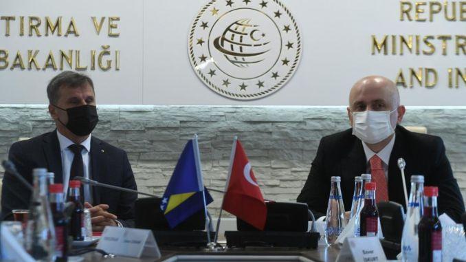 تركيا والبوسنة والهرسك بين موضوعات النقل البري والسكك الحديدية تناولت الإيصالات
