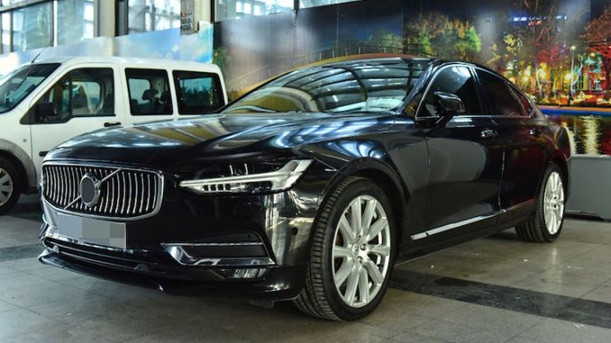 Ankarassa tarvitsemattomien luksusautojen myynti tapahtuu täydellä nopeudella