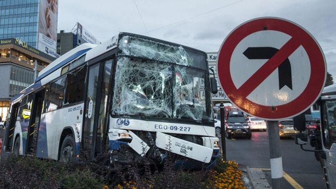 Public Bus Hit The EGO Bus In Ankara 17 Injured!