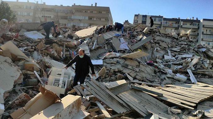 Как да окачим травма след земетресение