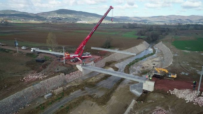 Broen, der forbinder bugten dybt, vil være afsluttet ved årets udgang