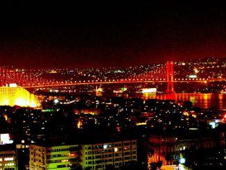 upaya jembatan pertama dan jembatan istanbul di istanbul
