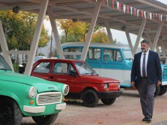 В Карабукском университете открылся музей ностальгических транспортных средств