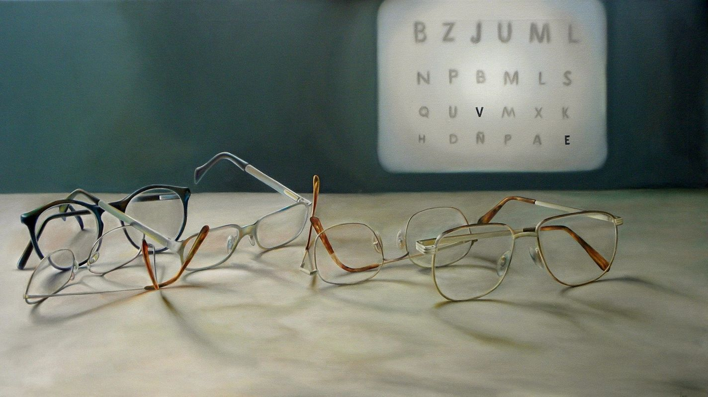 What are the symptoms of myopia? Looking at the screen for a long time is the cause of myopia?