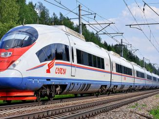 moscow st petersburg will arrive by train