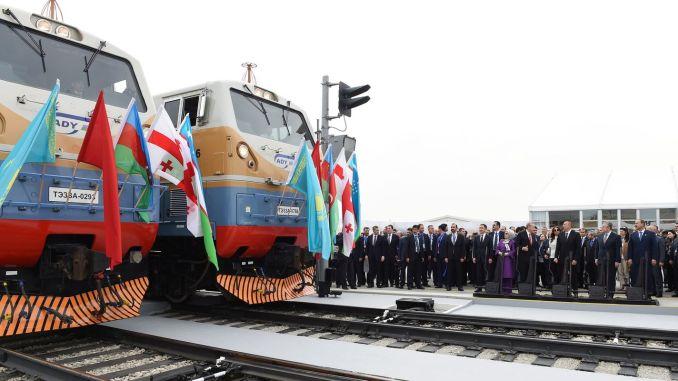 Ferrocarril a Nakhchivan desde Kars
