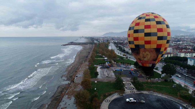 armata a deschis noi terenuri în Marea Neagră cu turismul cu balonul cu aer cald
