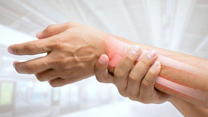 महामारी की अवधि के दौरान अस्थि भंग पर ध्यान दें