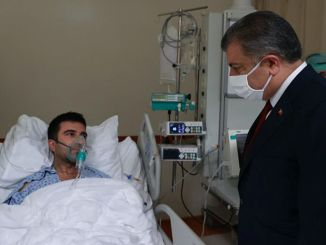 Minister Koca made examinations at the hospital where the fire broke out in Gaziantep