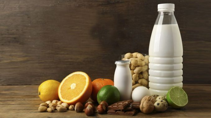 What are the symptoms of food intolerance and what should be considered