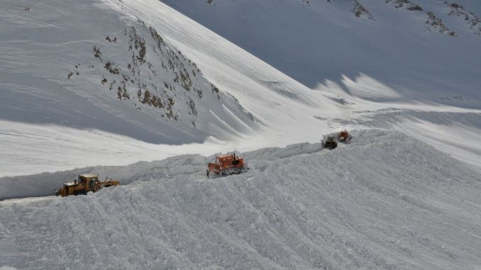 road crews at work in cities with high winter conditions