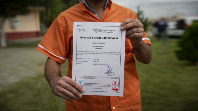 vocational qualification certificate has become the driver's license
