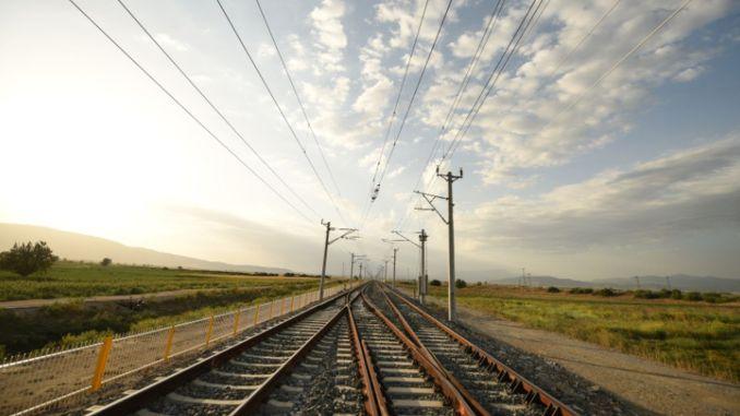Travaux de disposition de câbles à fibres optiques pour la section de ligne Tepekoy Selcuk