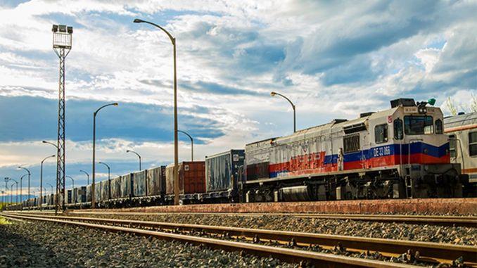 出口中国联合的第一列火车明天将上路