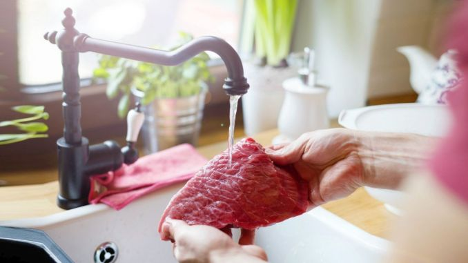 Do not wash the meat calmly before cooking it is dangerous