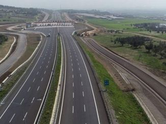 To go to Izmir by plane from Istanbul is half the price of the highway